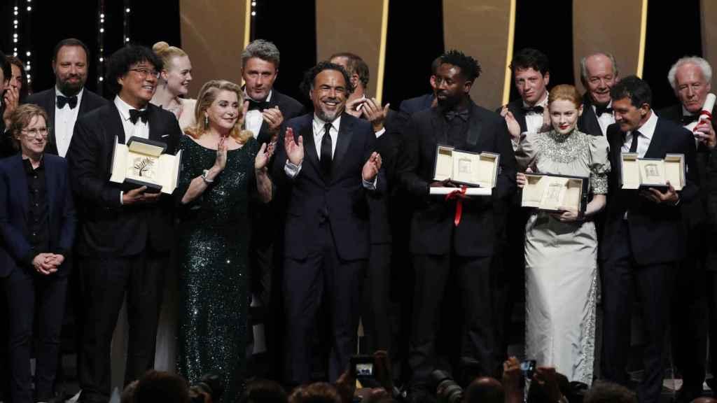 Foto de familia de los ganadores de Cannes.