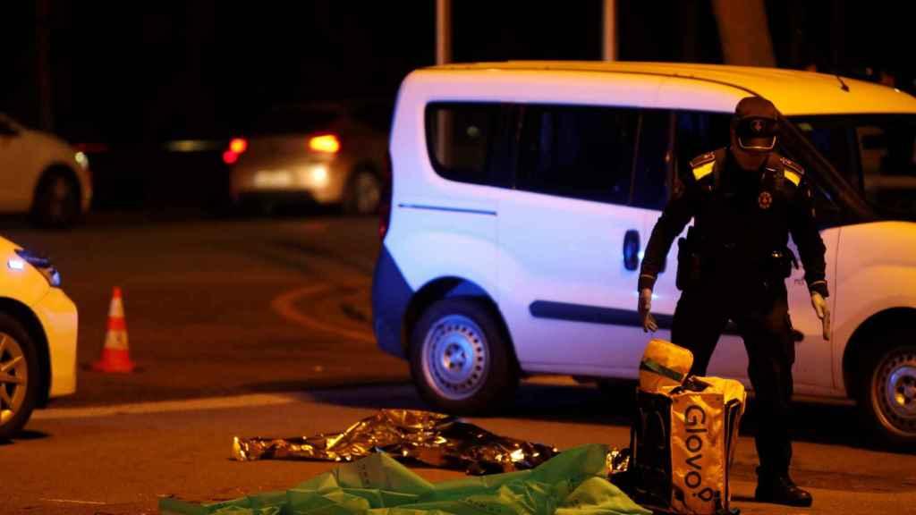 Un rider de Glovo muere en Barcelona tras ser atropellado.