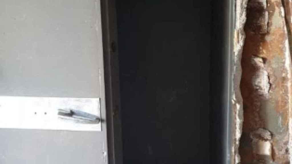 Depósito en el que el sospechoso almacenaba las armas ilegales.