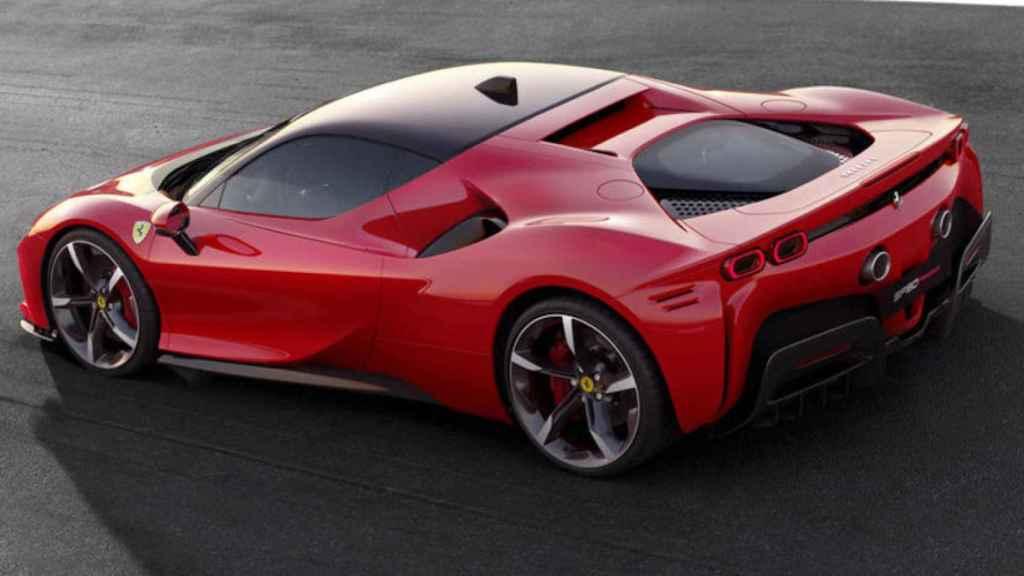 El Ferrari Más Potente De La Historia Es Híbrido 986 Caballos Y Tres Motores Eléctricos