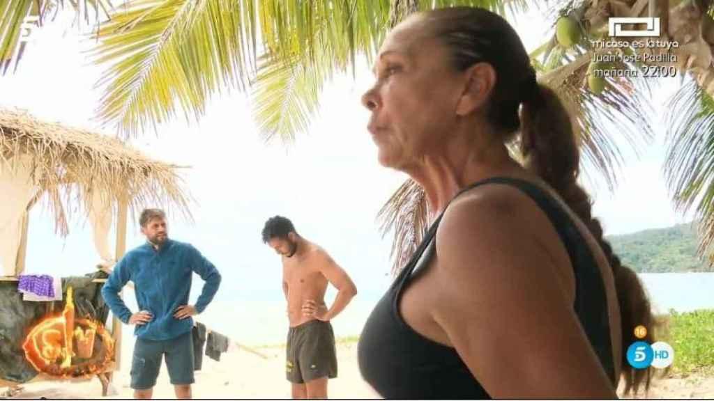 La cantante enfrentándose a Colate en Honduras.