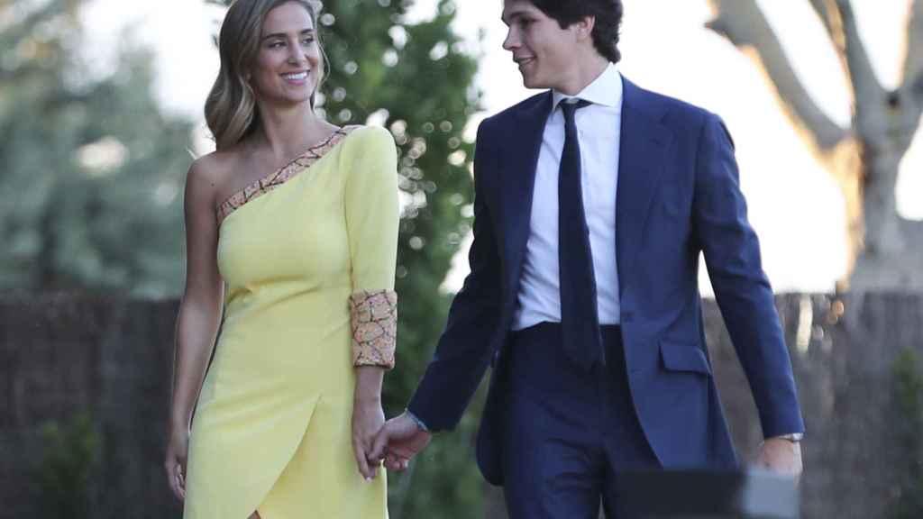 María Pombo y Pablo Castellano el día de su celebración oficial de pedida.