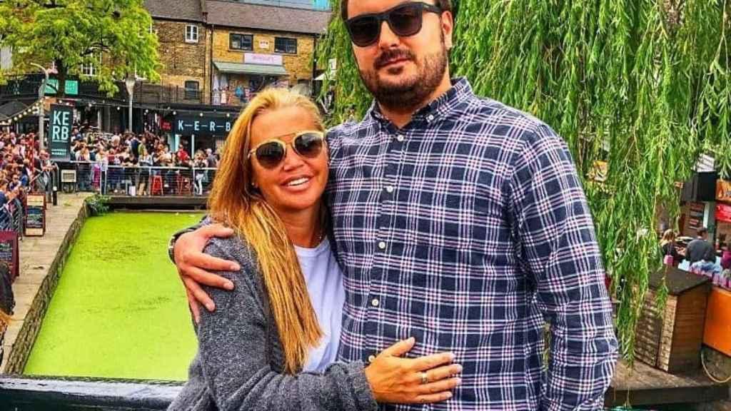 Belén Esteban y Miguel Marcos, en uno de sus viajes a Londres.