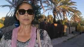 Isabel Pantoja en un montaje frente a la vivienda Mi gitana.