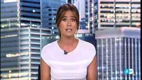 Isabel Jiménez, presentando los informativos.