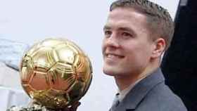 Michael Owen con el Balón de Oro