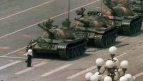 'El hombre del tanque' fue la imagen más icónica de Charlie Cole.