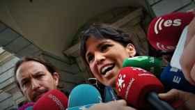 Teresa Rodríguez, líder de Podemos Andalucía, ante Pablo Iglesias.