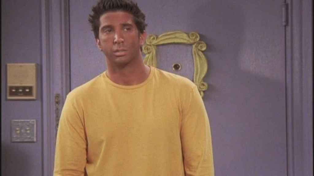 Escena de Ross de 'Friends' luciendo un moreno falso tras autobroncearse.
