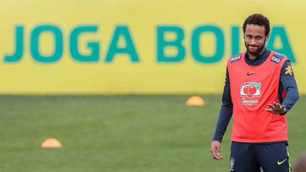 Neymar en un entrenamiento de la selección brasileña