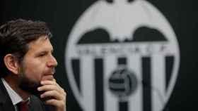 Alemany, en rueda de prensa con el Valencia