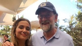 Mariano Rajoy, el protagonista inesperado de una despedida en Formentera.