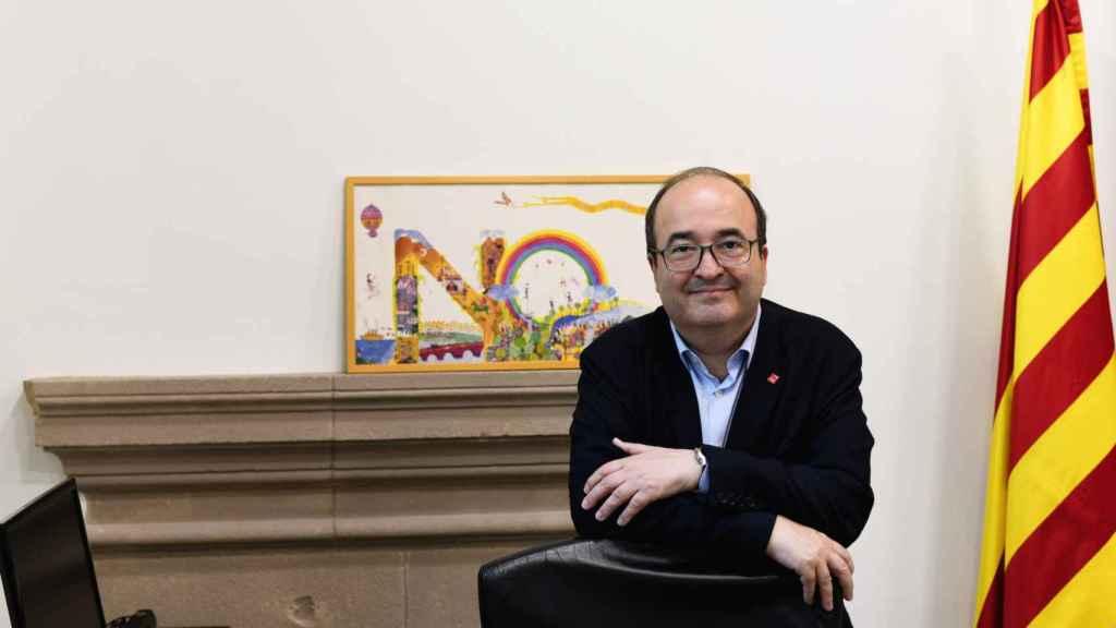 Miquel Iceta, líder del PSC, en su despacho del Parlament de Cataluña