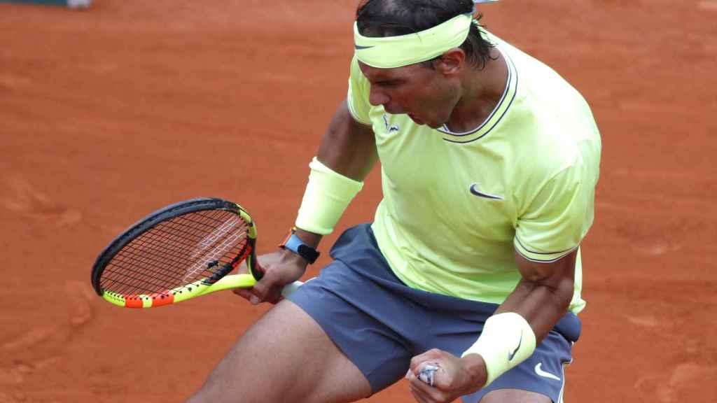 Rafael Nadal celebra un punto en la final de Roland Garros 2019 ante Thiem