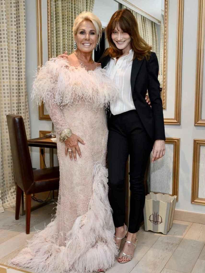 Luisa Rodríguez pudo conseguir su deseada foto junto a Carla Bruni.