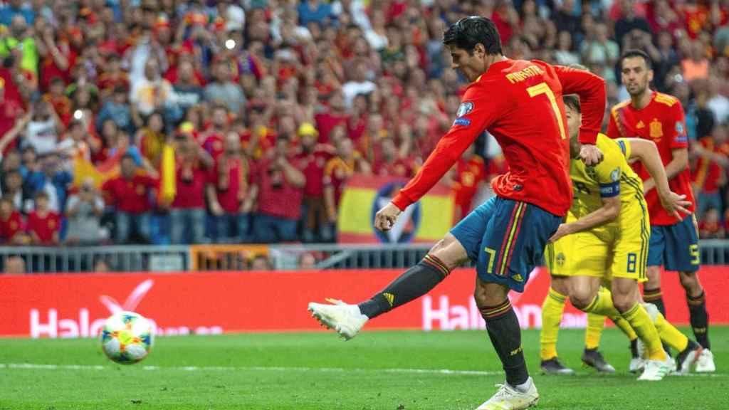 Morata lanza el penalti ante Suecia