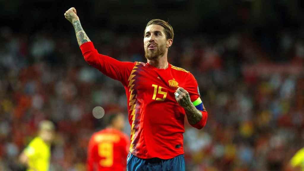 Sergio Ramos celebra su tanto ante Suecia