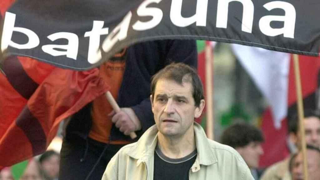 Josu Ternera, en una imagen de abril del 2002, en Bilbao, el día en que el juez ordenó su detención por el atentado en la casa cuartel de la Guardia Civil de Zaragoza en 1987.