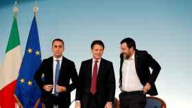 2019-06-11T071158Z_2128563999_RC19447D2DA0_RTRMADP_3_ITALY-POLITICS-BUDGET