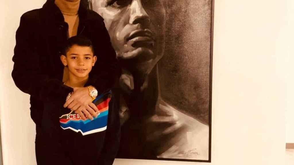 Cristiano Ronaldo junto a su hijo. Foto: Instagram (@cristiano)