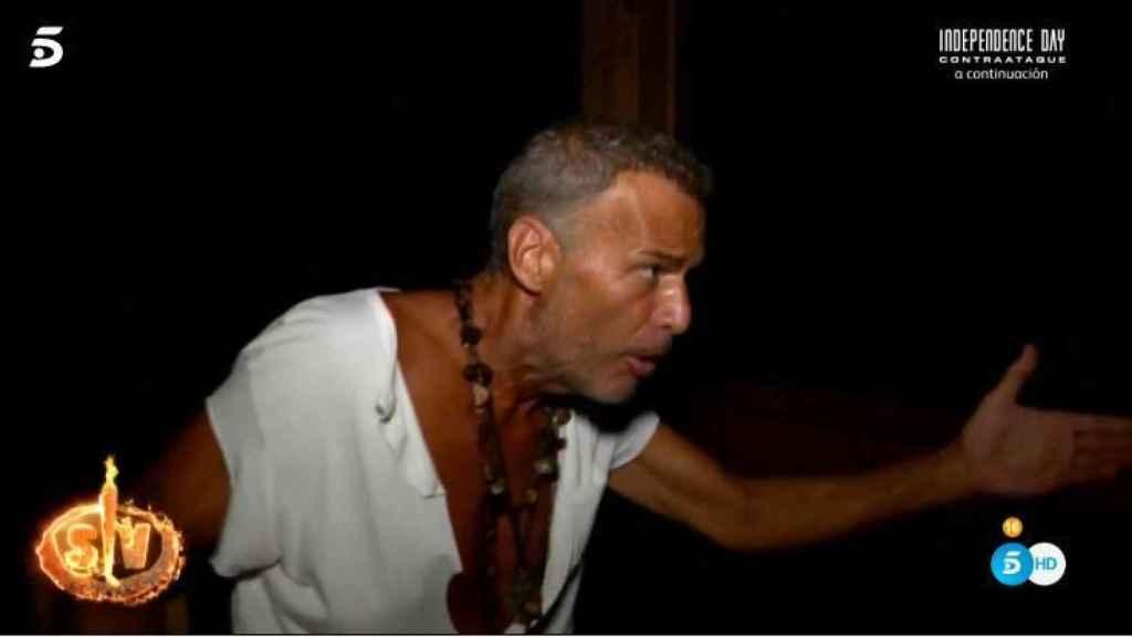 Carlos Lozano durante su discusión con Miriam en 'Supervivientes'.