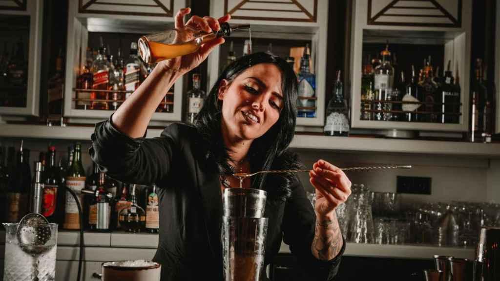 Sara Siles Bar Manager en Dogma