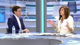 Albert Rivera junto a Ana Rosa Quintana durante la entrevista de este miércoles.