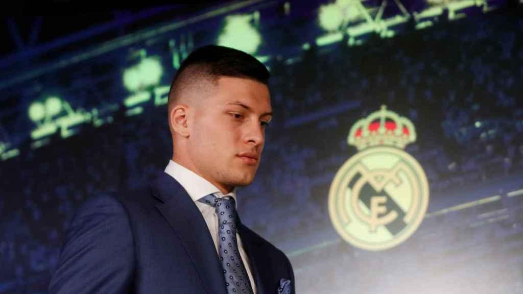 Luka Jovic durante la rueda de prensa de presentación con el Real Madrid