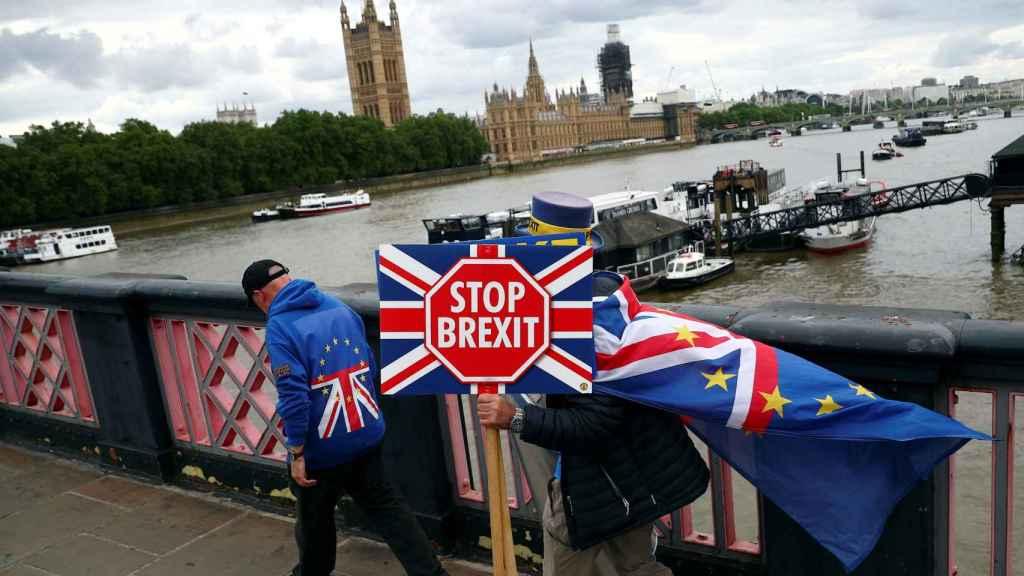 Un cartel de una manifestación contra el brexit en una imagen de archivo.