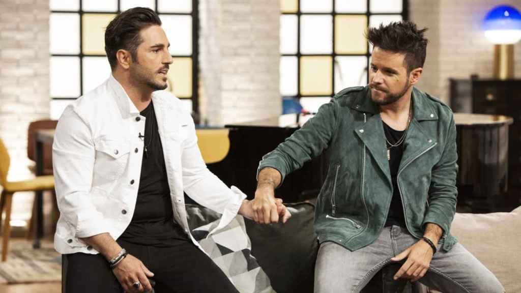 Bustamante junto a Pablo López en 'La Voz Senior'.