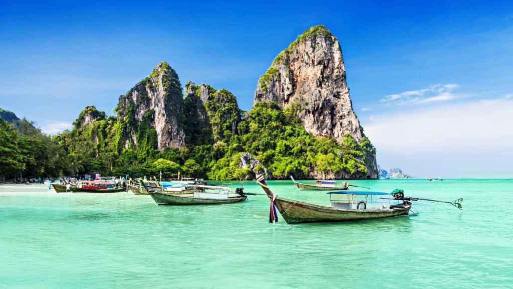 Las playas de la isla de Phuket ofrecen imágenes paradisíacas.
