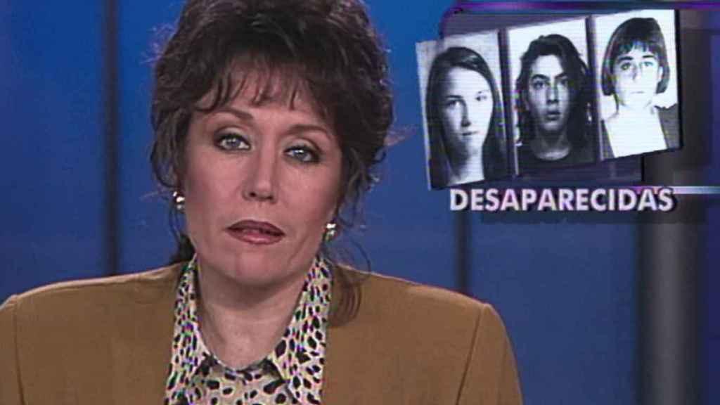 Rosa María Mateo dando la noticia de la desaparición de las niñas de Alcassèr.