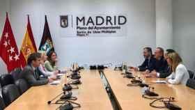 Reunión de los equipos negociadores de PP y Ciudadanos.