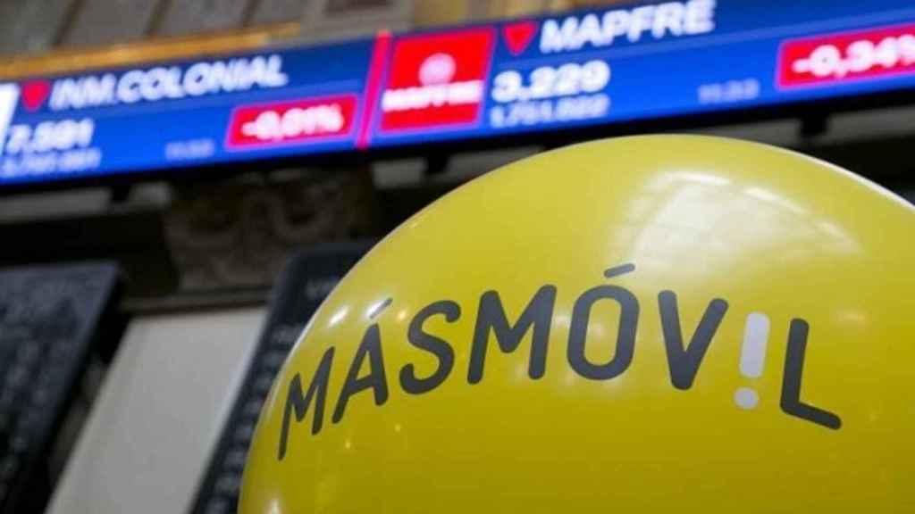 Logo de MásMóvil en su estreno en el Ibex 35.