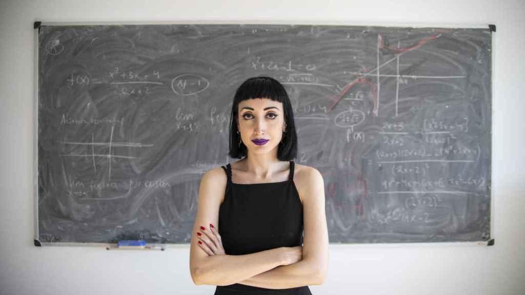 Cristina Sardón, matemática del CSIC, ayuda a EL ESPAÑOL a resolver los ejercicios.