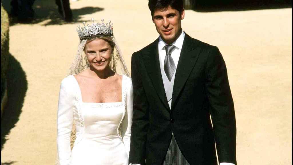 Eugenia Martínez de Irujo y Francisco Rivera Ordóñez el día de su boda en Sevilla.