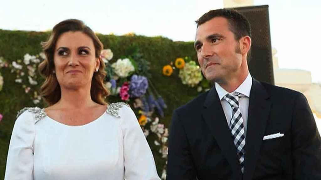 Carlota Corredera y Carlos de la Maza, el día de su boda, en imágenes captadas de 'Sálvame'.