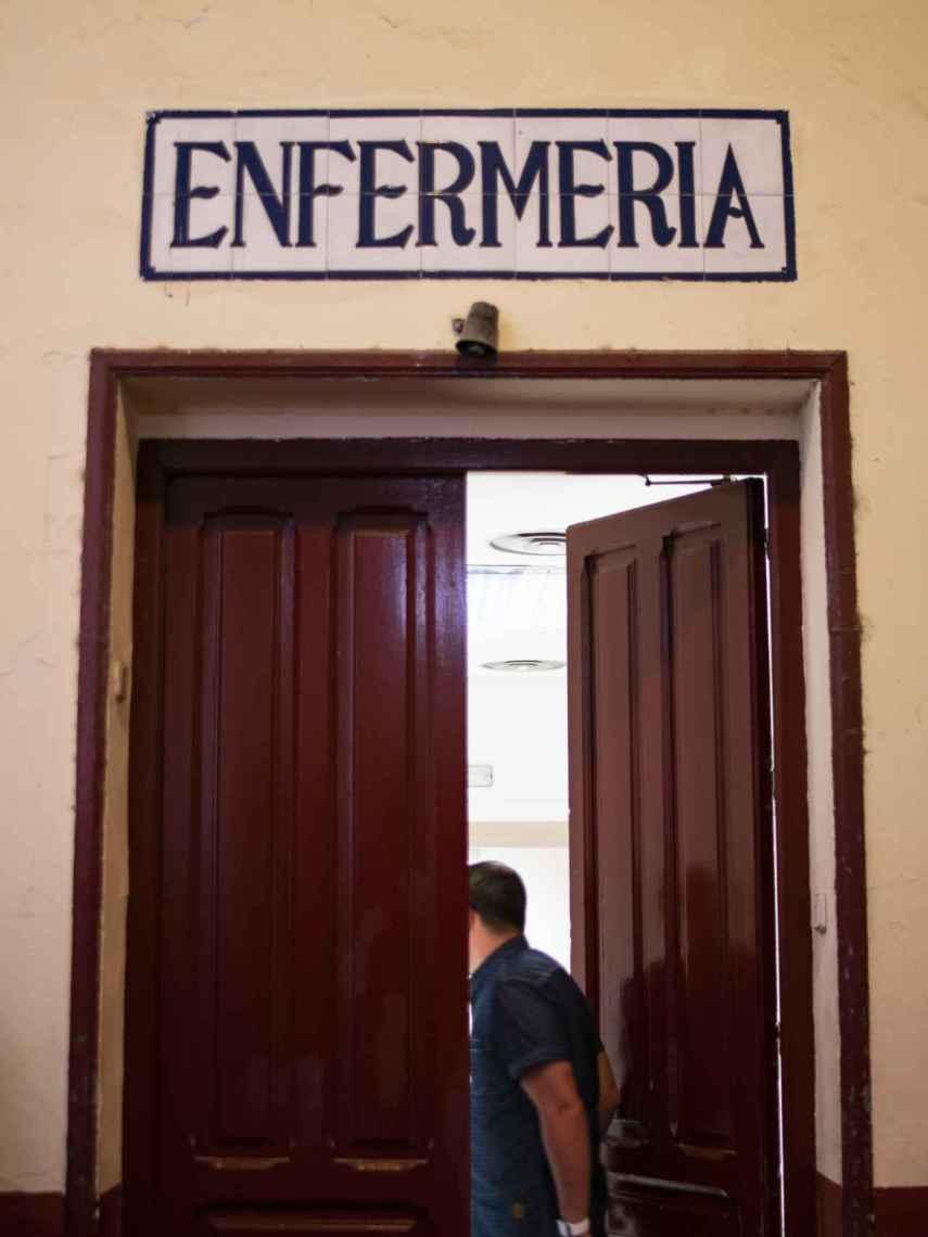Puerta de la enfermería de la plaza de Las Ventas.