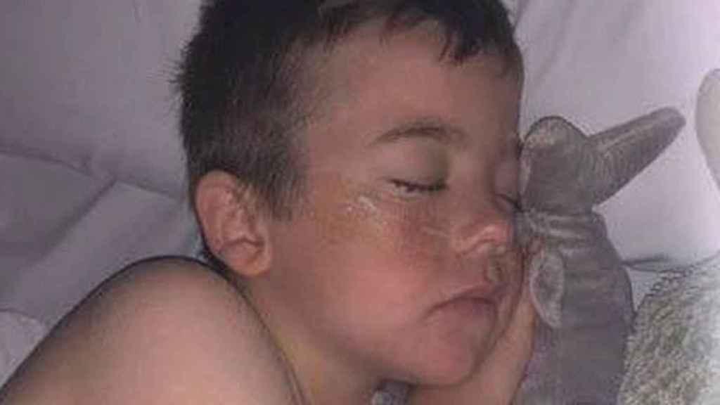 Julian Hohnan ingresó en el hospital con hipotermia y le inducieron el coma.