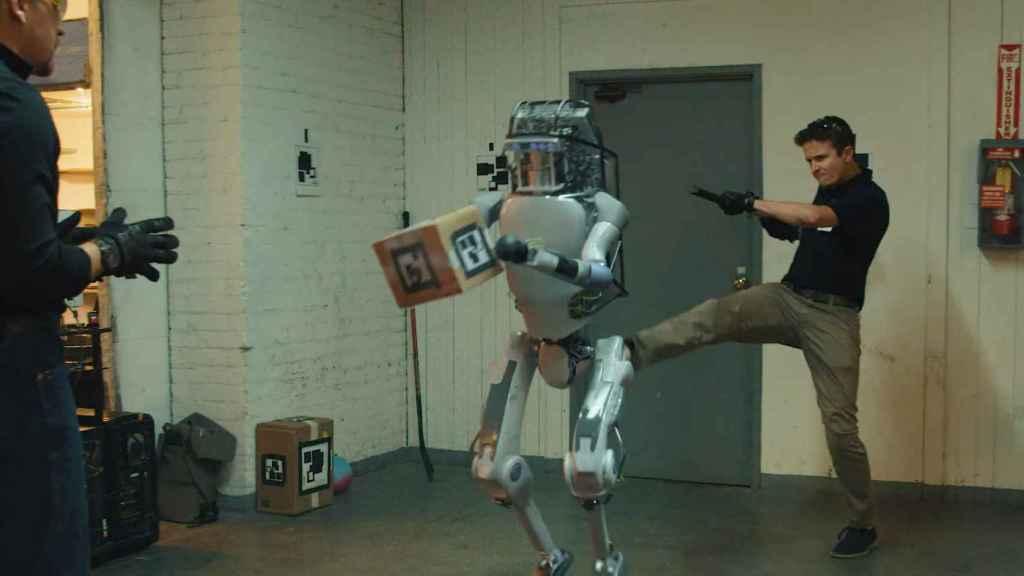 robot maltrato 1