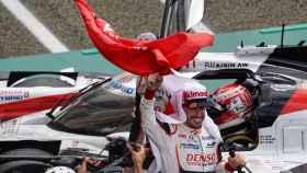 Fernando Alonso celebra el Mundial de Resistencia