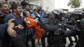 Jueces catalanes desmontan la 'violencia policial' del 1-O: La Guardia Civil usó la fuerza mínima