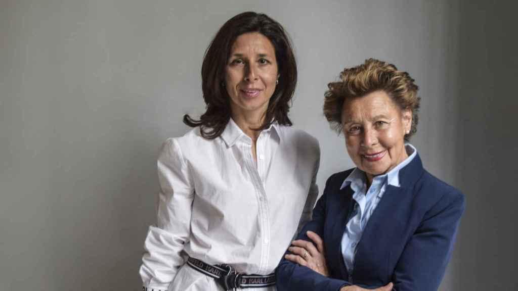 Lourdes Gullón, nueva presidenta de la empresa, junto a María Teresa Rodríguez.