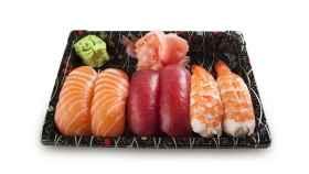 Salmón y wasabi, plato típico si viajas a cualquier ciudad de Japón.