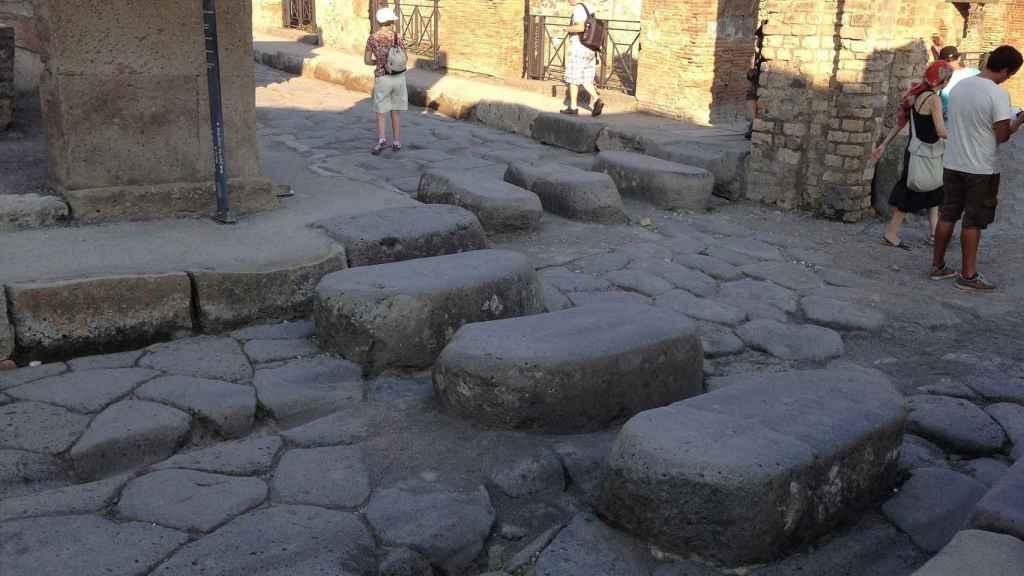 Paso de cebra en la ciudad de Pompeya.