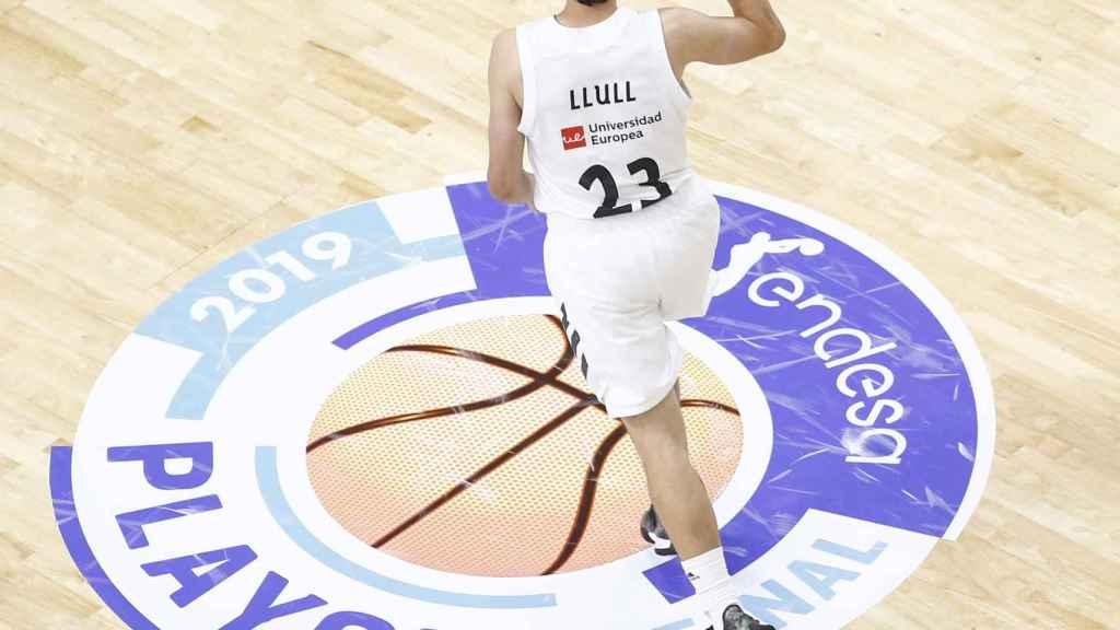 Sergio Llull celebra un triple ante el Barcelona Lassa