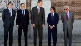 Los cuatro ex presidentes rinden homenaje a Felipe VI
