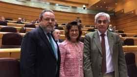 Tomás Burgos (derecha) junto a Jesús Labrador y Carmen Riolobos