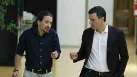 Iglesias y Sánchez dialogan en una foto de archivo