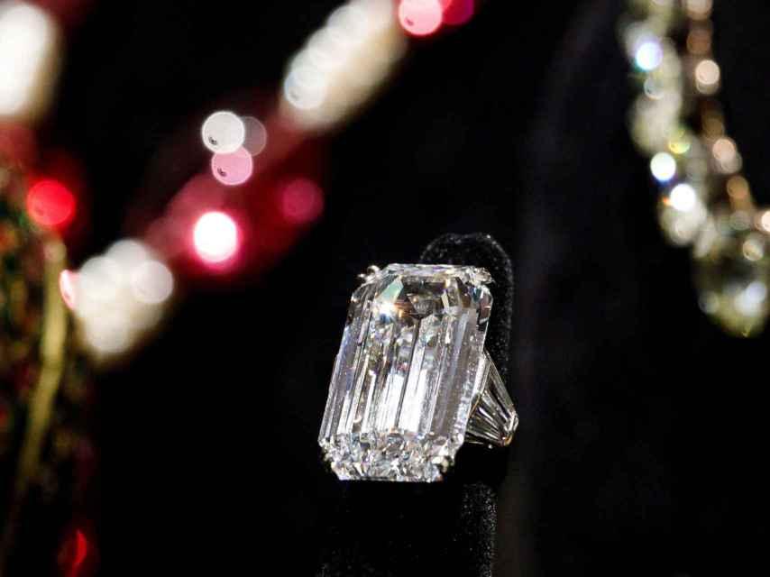 El anillo de diamantes Espejo del Paraíso.